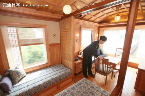 日本JR九州铁道公司将推出豪华七星级列车客房,有钢琴、豪华洗手间等普通列车没有的设施。旅行3夜4天的双人套餐约6.9万元人民币。