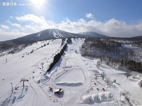 日本福岛adatara高原滑雪场接受中学生滑雪培训 零基础学滑雪初尝雪上