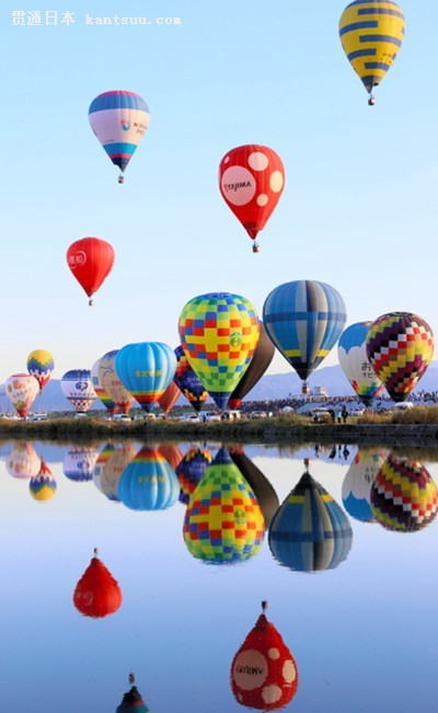 佐贺国际热气球节开幕 四日吸引55.6万名游客(图片来源:朝日新闻网站)